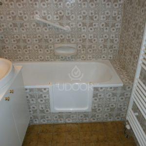 Cast Iron Bathtubs With Brick Wall